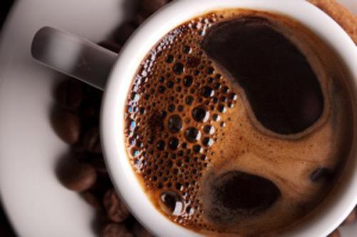 Những thực phẩm gây sỏi thận - cà phê.